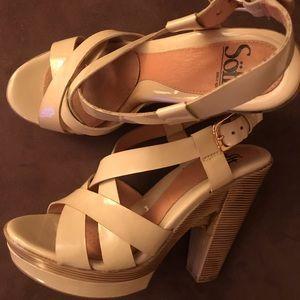 Women's Wood Heel Sandal